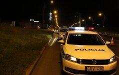 Policininką užpuolęs girtas vairuotojas atsidūrė teisme