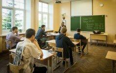 Tūkstančiai mokinių ir mokytojų nebežino, ką daryti
