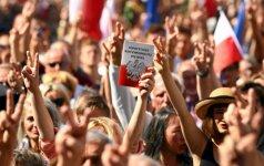Lenkijos Seimas pritarė skandalingai Aukščiausiojo Teismo reformai