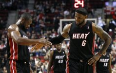 """L.Jamesas ir D.Wade'as kartu pelnė 71 tašką, K.Durantas - 38-is, """"Heat"""" ir """"Thunder"""" toliau nesustabdomi"""