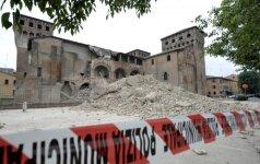Per žemės drebėjimą Italijoje žuvo mažiausiai aštuoni užsieniečiai