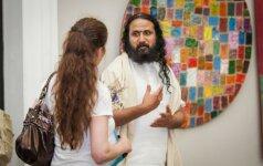Tarptautinę jogos dieną Vilniaus Rotušė tapo indų kultūros centru