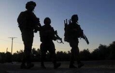 Izraelio kariškiai per reidus Vakarų Krante sulaikė 10 palestiniečių, įtariamų terorizmu
