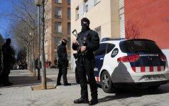 Barselonoje policija šūviais sustabdė vogtą sunkvežimį su dujų balionais