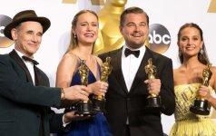 """""""Oskarų"""" nominantai sulauks pigesnių dovanų nei įprasta: tarp jų ir rankų darbo tualetinis popierius, ir sekso žaislai"""