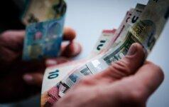 Siūloma didinti aukštos kvalifikacijos darbuotojų atlyginimus