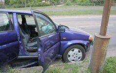 Vilniuje prieš eismą išlėkė automobilis, per avariją sužalota moteris