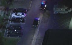 Kalifornijoje po incidento kelyje ir gaudynių policija sulaikė įtariamąjį
