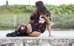 Vardan futbolo: italų diva pademonstravo strėnas