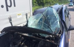 Autostradoje prie Sitkūnų viena po kitos pasipylė avarijos