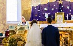 Lietuvoje tuokiasi vis vyresni vyrai ir moterys