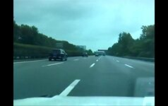 Kinijoje nubaustas gyvai savo kelionę transliavęs ir greitį viršijęs vairuotojas