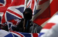 Nemaloni lietuvės akistata su britu: Rytų Europos padugne, pradink, šlykštu į tave žiūrėti