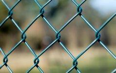 Siūlo keisti įstatymą, kad nelegalios tvoros netaptų legaliomis