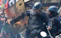 Prancūzijoje neramu: po visą šalį vilnija protestų bangos