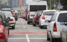 Lietuviai – susirūpinę tvariu vartojimu, bet negali atsiplėšti nuo automobilio