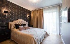 Modernios klasikos 65 kv.m butas Vilniuje: glamūras jaunos poros namuose