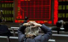 Augant susirūpinimui dėl pasaulio ekonomikos, Japonijos akcijų rinka smunka