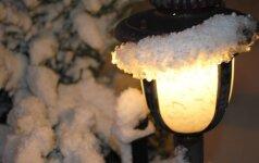 Specialistai sako, kad lauke geriausiai tinka LED lemputės