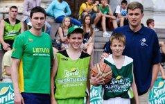 """Pirmose """"Sprite talentų kovos"""" krepšinio varžybose lankėsi G.Gustas ir D.Adomaitis"""