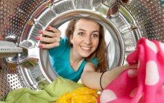 Į skalbimo mašiną įmetė ledo gabalėlių. Supratę, kodėl, labai nustebsite!