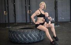 Fitneso trenerė: po gimdymo reikia atrodyti štai taip! FOTO