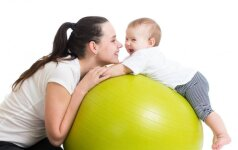 Mamos ir kūdikio mankšta: naudinga ir fiziškai, ir emociškai