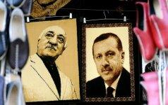 Du trečdaliai turkų sutinka su R. T. Erdogano nuomone dėl pučo rengėjų