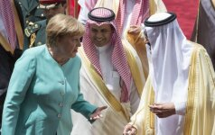 Angelos Merkel vizitas Saudo Arabijoje