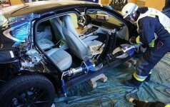 Ugniagesiai supjaustė Porsche Panamera