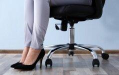 Dažna vasaros bėda: chirurgė paaiškino, kada jau reikia sunerimti dėl kojų tinimo