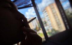 Medikas įvertino naują rūkančiųjų aistrą: jums tai nepatiks