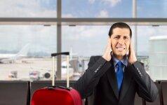 Keliautojų ligos: ką reiškia, kai lėktuve ima skaudėti ausis ar akis?