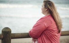 Šokas moteriai - numetus 50 kg liko šlaunis siekianti nukarusi pilvo oda