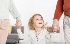 Vaikų sėkmės pagrindas – stiprus ryšys su tėvais