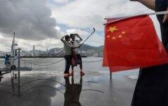"""Kinija """"atidžiai stebi"""" D. Trumpo mokesčių mažinimo planą"""