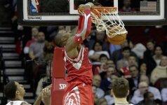 """D. Motiejūnas kukliai prisidėjo prie """"Rockets"""" klubo 33-ios pergalės NBA lygoje"""