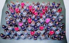 Išskirtinėje fotosesijoje – 100 pasipuošusių nėščiųjų