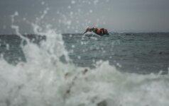 Italijos pakrančių apsauga: jūroje išgelbėta daugiau kaip tūkstantis migrantų, rasta 16 kūnų