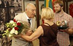 Antanas Mauza švenčia 80 - metį