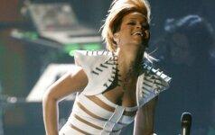 Amerikos muzikos apdovanojimai: Seksualumo triumfas, vainikuotas pikantiško Rihannos kostiumo (FOTO)
