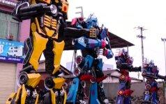 Transformerių gerbėjas savo svajonę pavertė realybe