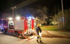 Vilniuje atvira liepsna degė namas