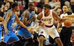 K. Irvingas ir L. Aldridge tapo geriausiais NBA savaitės žaidėjais
