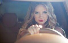 5 naudingi patarimai vairuojančioms moterims