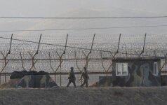 Kinija ruošiasi krizei, stato įtvirtinimus pasienyje su Šiaurės Korėja