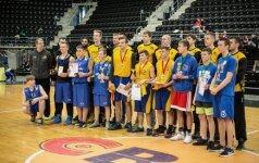 Šiaulių krepšininkai sveikina žaidynių dalyvius