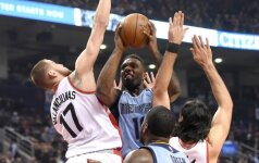 """""""Rockets"""" atsisveikino su trimis, """"Thunder"""" – su keturiais žaidėjais"""