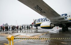"""""""Ryanair"""" grasina nesutarus dėl """"Brexit"""" atsisakyti skrydžių į JK"""