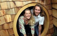 Tėčio dovana šeimai: jaukus hobito namas už 5 tūkst. eurų